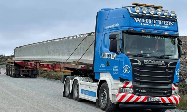 Whitten Road Haulage - 6 33m beams to South Kyle Wind Farm